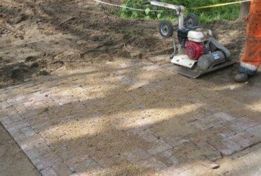 Bel Van Bronckhorstbestratingen voor de aanleg van terras of oprit